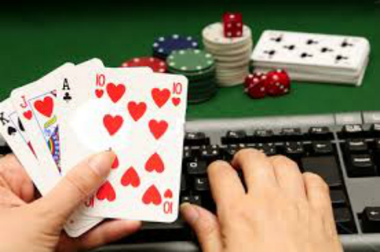 Looking to play online at online casinos in the UK? Be sure to read this before placing bets and making deposits.